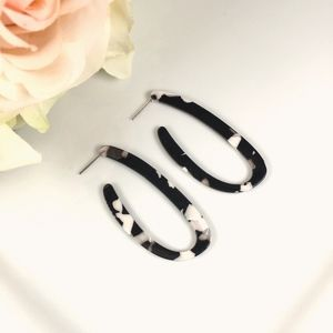 Resin Tortoise Shell Elongated Hoop Earrings